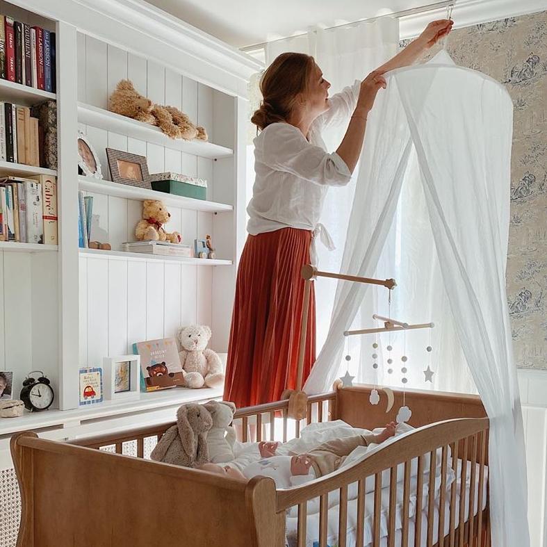 Łóżeczko niemowlęce Vintage, łóżeczka dla dzieci 140x70, łóżeczko dziecięce,łóżka dziecięce, łóżeczko, łóżeczko dla dziecka, łóżeczka drewniane, łóżeczko niemowlęce,łóżeczka niemowlęce, łóżeczka dla niemowląt Woodies Safe Dreams, łóżeczko dla dziewczynki, łóżeczko dla chłopca,łózeczko dla niemowlaka, łóżeczko drewniane, brązowe, kolor naturlanego drewna,sosnowe z opcja dobrania materaca dla niemowlaka,łóżeczko dla noworodka, łóżeczka niemowlęce z wyposażeniem, łóżko drewniane dla dziecka Zofia Cudny