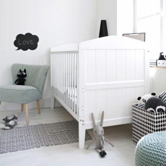 Jak urządzić pokoik dla dziecka i wybrać łóżeczko dziecięce w stylu hampton? - 3