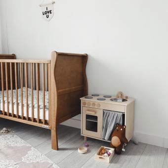 Opinie, drewniane łóżeczko dziecięce i niemowlęce Noble Cot Vintage 120×60 Woodies Safe Dreams