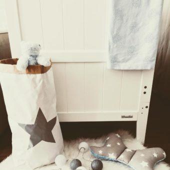 behindhisblueeyes Opinie, certyfikowane łóżeczko dziecięce i niemowlęce Country Cot Woodies Safe Dreams