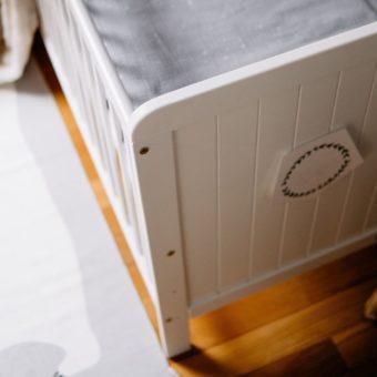tables_moods Opinie, drewniane bezpieczne łóżeczko dziecięce i niemowlęce Country Cot Woodies Safe Dreams