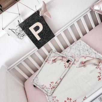 SG11 Cornellias Strona Główna, drewniane łóżeczko niemowlęce i dziecięce Harbour Cot Bed Woodies Safe Dreams