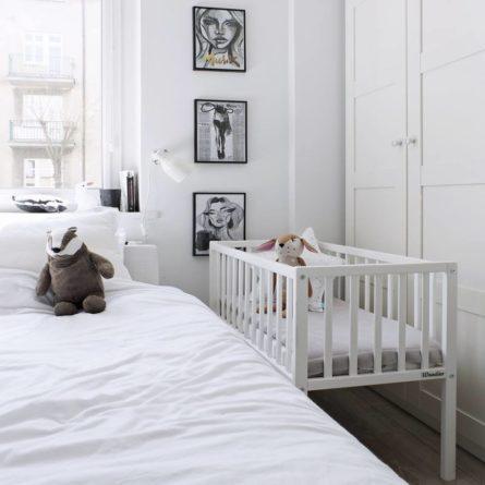 Mini-łóżeczko niemowlęce Bedside Crib - drewniane łóżeczka dla niemowląt 90x40 | Woodies® Safe Dreams - meble i materace dla dzieci, małe łóżeczka turystyczne