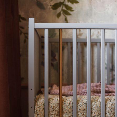 Drewniane łóżeczko dziecięce i niemowlęce Stardust Cot 120x60 Craft w kolorze szarym Woodies Safe Dreams atestowane łóżeczka niemowlęce i meble dla dzieci(10)
